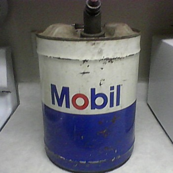 MOBIL 5LBS. GAS/OIL CAN - Petroliana