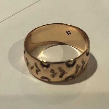 Family Ring - Gold