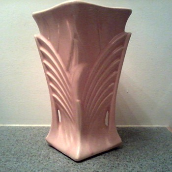 "McCoy 9"" Deco Vase /Matte Rose Glaze / Circa 1943 - Pottery"