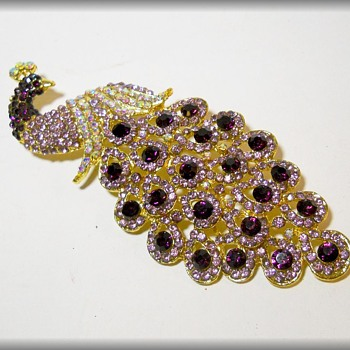 Costume JEWELRY - BROOCH - PEACOCK