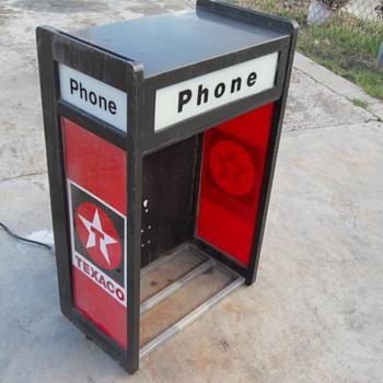 IT'S A PHONE BOOTH EMBURST WITH A TEXACO DESIGN - Petroliana