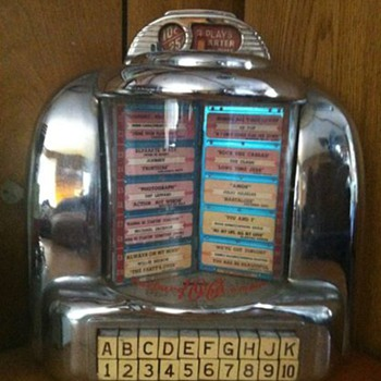 old diner Jukebox - Coin Operated