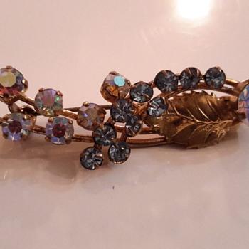 1950s Aurora borelias brooch - Costume Jewelry