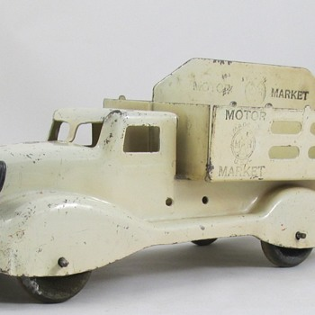 Marx Motor Market Truck - Model Cars