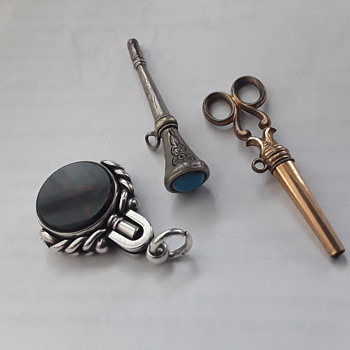 Some more pocket watch keys - Pocket Watches