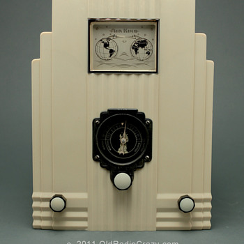 Air King Model 66 Ivory Plaskon Tube Radio