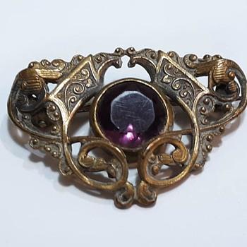 Little Openwork Czech Glass (?) Brooch/Pin. Beautiful! - Costume Jewelry