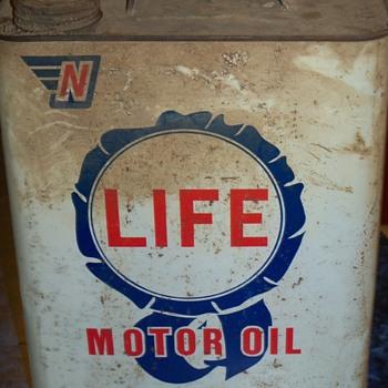 LIFE motor oil......2 gallon can - Petroliana