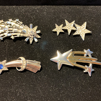 Comet Brooch collection: 4 brooches - Costume Jewelry