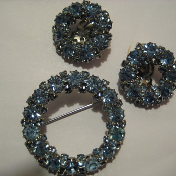 WEISS Blue Brooch and Earring Set - Costume Jewelry