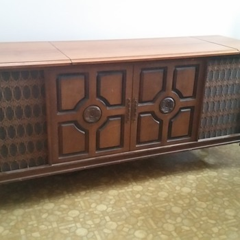 Pioneer Cabinet Stereo