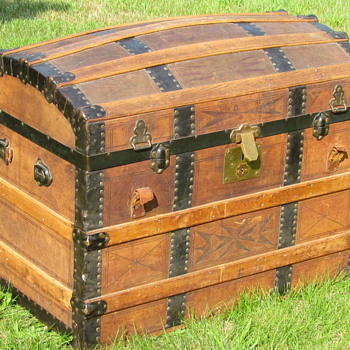 1870's Tooled Leather, strap and dowel, Barrel Stave Trunk  - Furniture