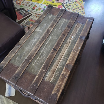 Eagle Lock co. Trunk - Furniture