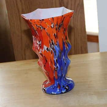 Striking Unmarked Vase - Art Glass
