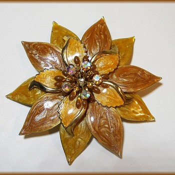 Large enameled Flower Brooch - Unmarked - Costume Jewelry