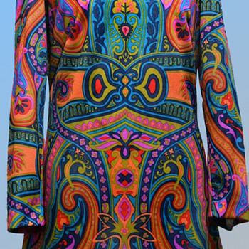 Vintage 1970s Psychedelic almost Art Nouveau Midi Dress from UK - Womens Clothing