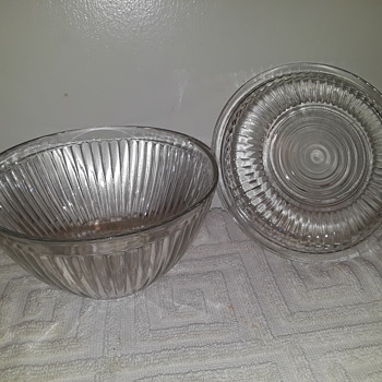 ANCHOR-HOCKING 'Jane Ray' pattern covered bowl - Glassware