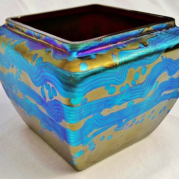 A Loetz/Bakalowits Rubin Gre 85/5054 Bowl - Art Glass