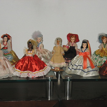 My ARCO 12 Beautiful Dolls of the World - Dolls