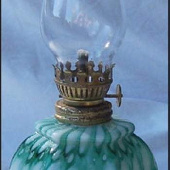 WELZ HONEYCOMB OIL LAMP - Art Glass