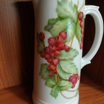 Handpainted vase with berries. - Pottery