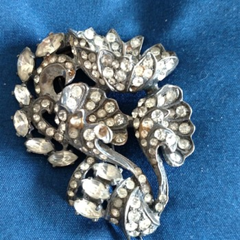 Broaches - Costume Jewelry