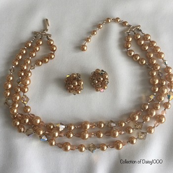 The Goldenized Early 1950s — Necklace, Earrings - Costume Jewelry