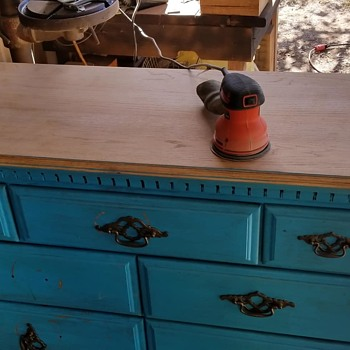 Oak wood dresser - what style? Dovetail drawers - Furniture