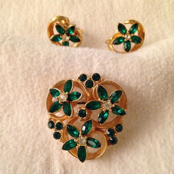 Green brooch and earrings for St. Patrick's Day - Costume Jewelry