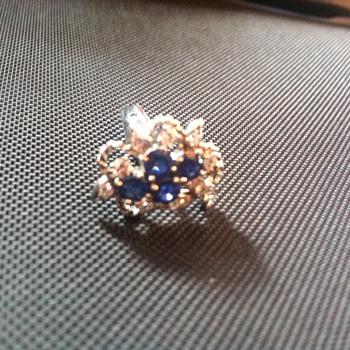 Ceylon sapphires and diamond cluster cufflinks