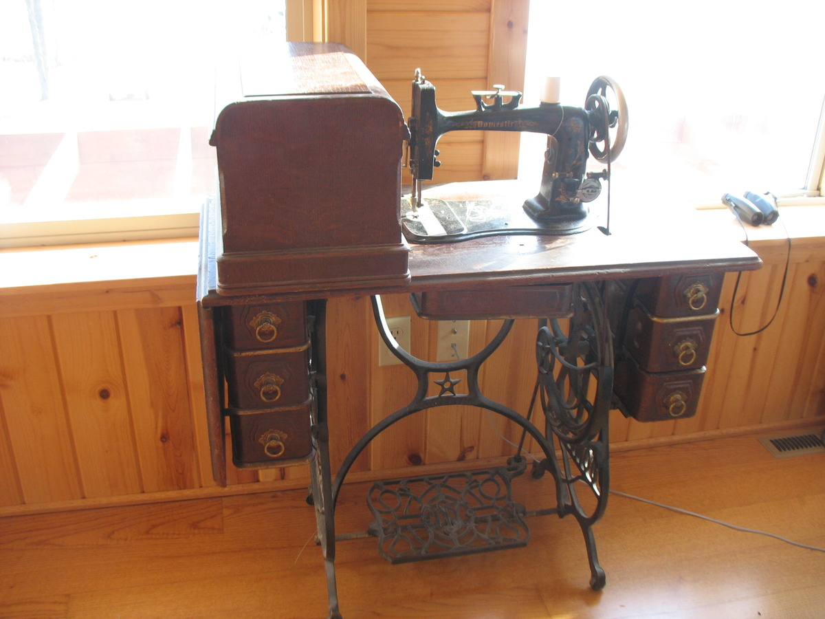 Domestic Antique Treadle Sewing Machine Collectors Weekly