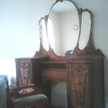 My new purchase for $50!...Vanity and chair - Furniture