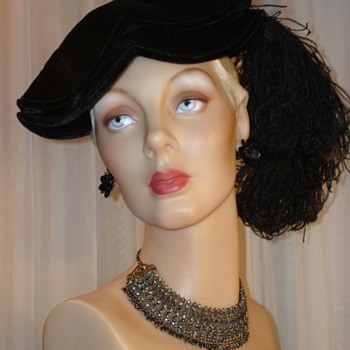 Fabulous Black Velvet Edwardian Tricorn With Curled Ostrich Feather - Hats