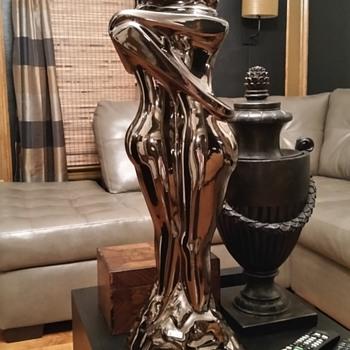 Nischli sculpture huge and amazing. - Pottery