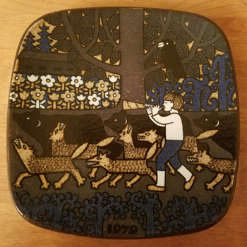 Arabia of Finland Annual Plate 1979 - Pottery