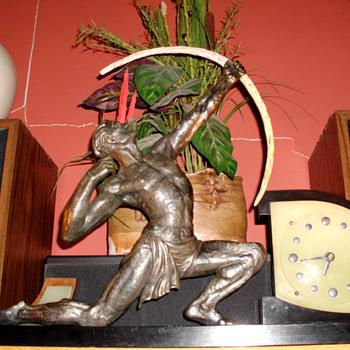 """Jean de Roncourt style Archer """"Marti"""" French Art Moderne Clock, 1930's - Art Deco"""