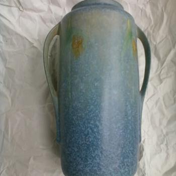 ROSEVILLE WINDSOR BLUE VASE NUMBER 552 8 INCHES HIGH  - Pottery