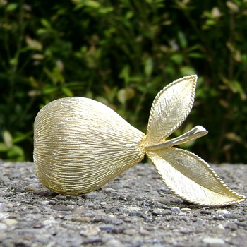 Emmons Pear Brooch - Costume Jewelry