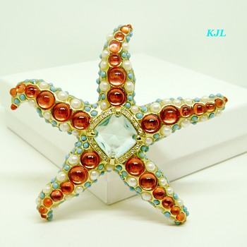 Kenneth Jay Lane Starfish Brooch - Costume Jewelry