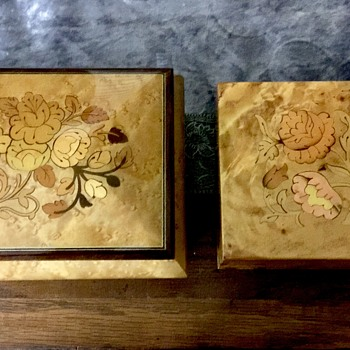 Lot of two wooden musical jewelry boxes - Fine Jewelry
