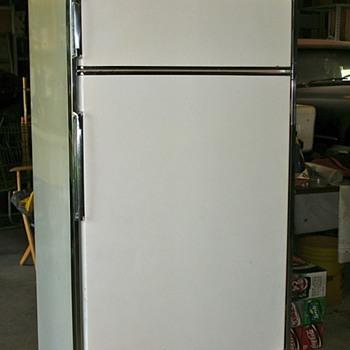 1957 Frigidaire Imperial Refrigerator - Kitchen