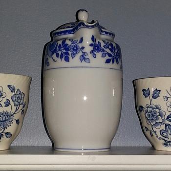Royal Sometuke Nippon Blue Willow Tea Pot - China and Dinnerware
