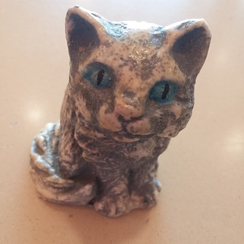 An old chalkware cat figurine from a flea market - Animals