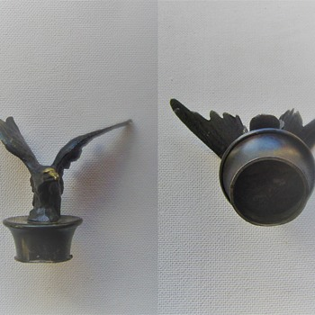 Bronze eagle finial. From where, used for what and when ? - Figurines