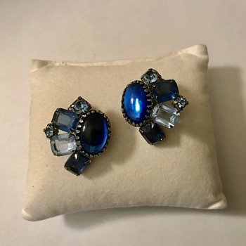 Have you seen these type of clip on earrings? - Costume Jewelry