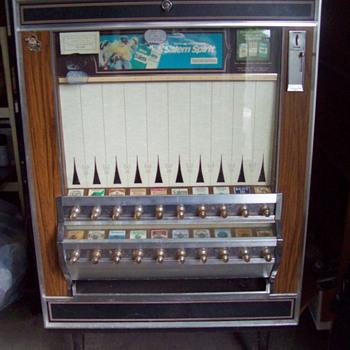 Classic Pull Knob Cigarette Vending Machine - Tobacciana