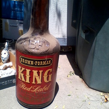giant  Brown-Forman King Red Label wisky bottle