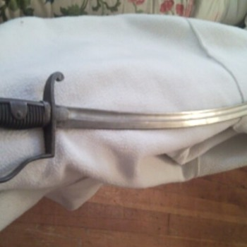 My awesome but unidentified possibly very old sword - Military and Wartime