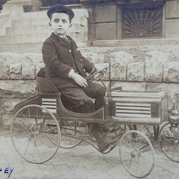 Early pedal car - Toys
