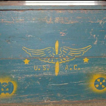 WWII Trunk - Military and Wartime